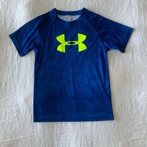 Unisex Under Armour dry fit shirt